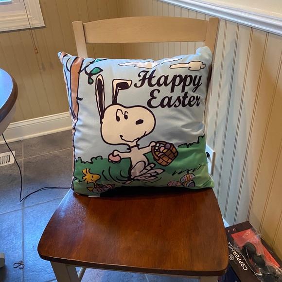 Peanuts happy Easter super soft decorative pillow